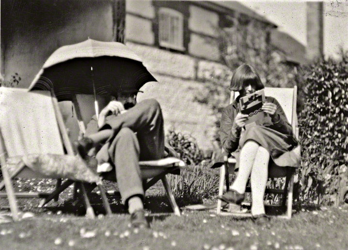 Carrington, with the unrequited love of her life, Lytton Strachey.