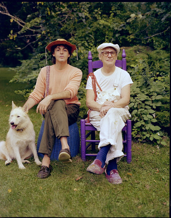 Paul McCartney and Willem de Kooning, 1983 - Photo by Linda McCartney. The McCartneys were friends of de Kooning, and visited the artist often. Paul, a talented painter in his own right, was first inspired by de Kooning to take up the brush.