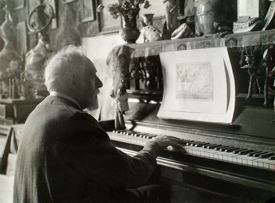 James Ensor at the harmonium, c. 1939