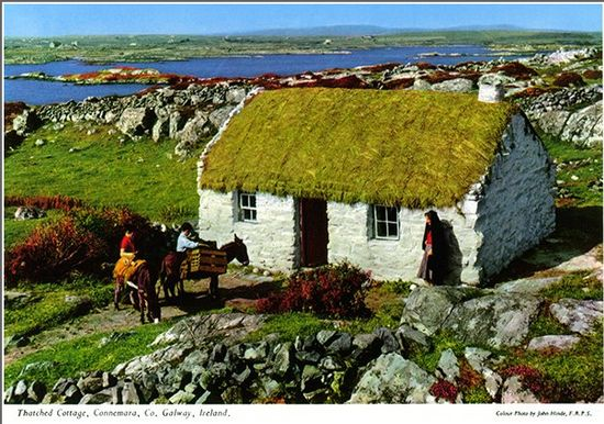 Ireland postcard featuring the photographic work of John Hinde