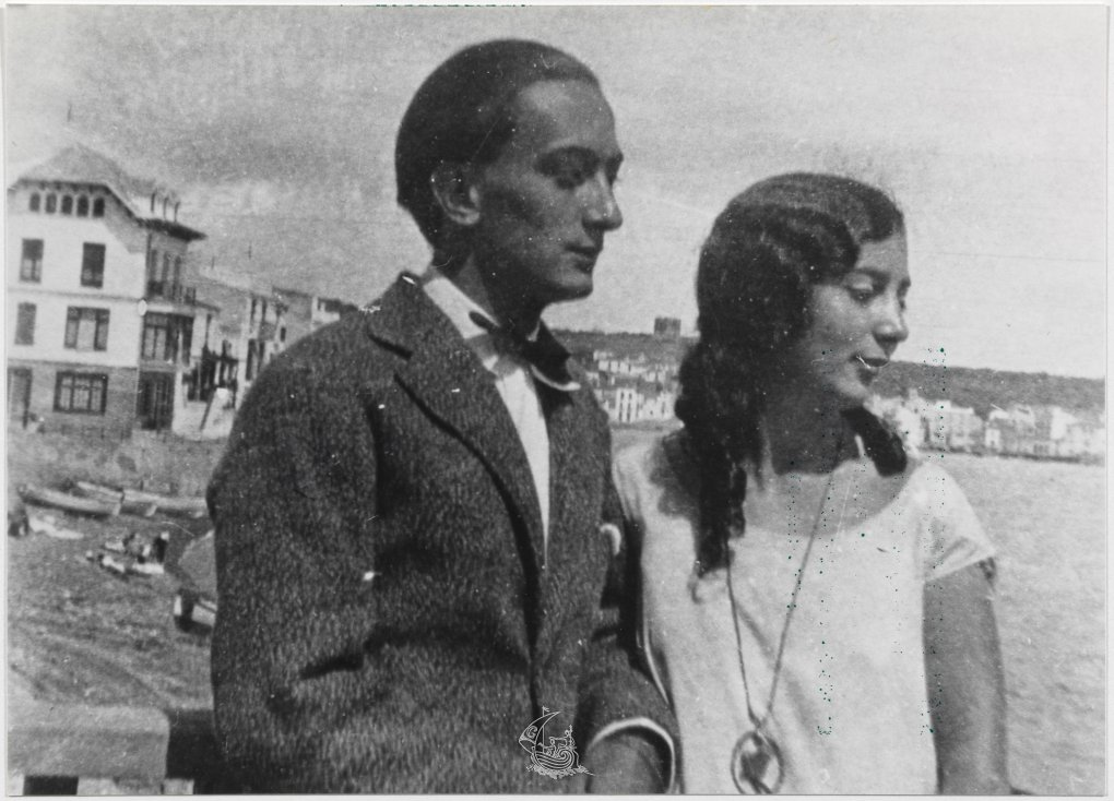 Salvador and his sister Anna Dalí, in Cadaquéz, 1925