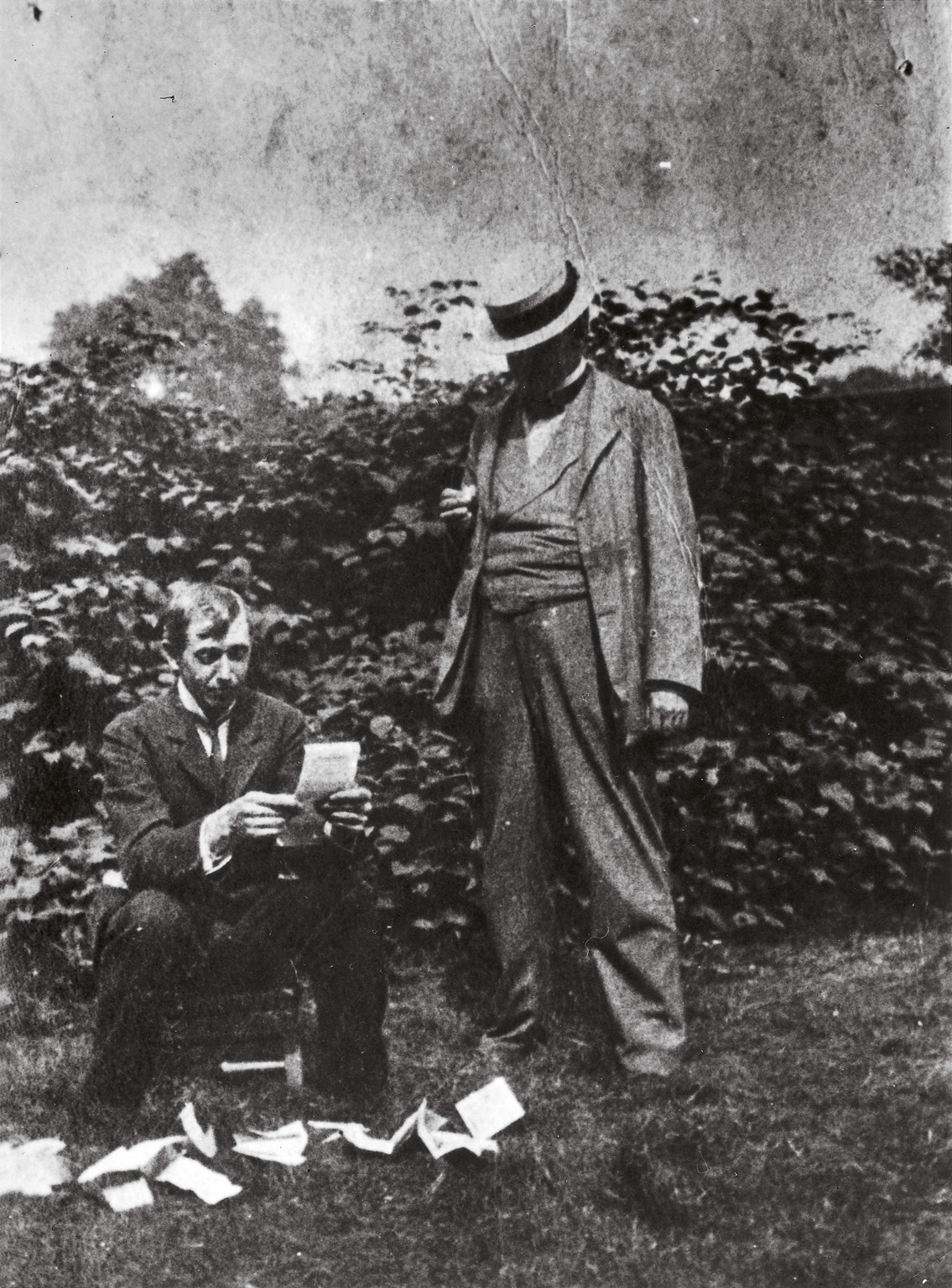 Spencer Gore (L) and Walter Sickert (R), reading press clippings after the first Camden Town Group exhibition, 1911