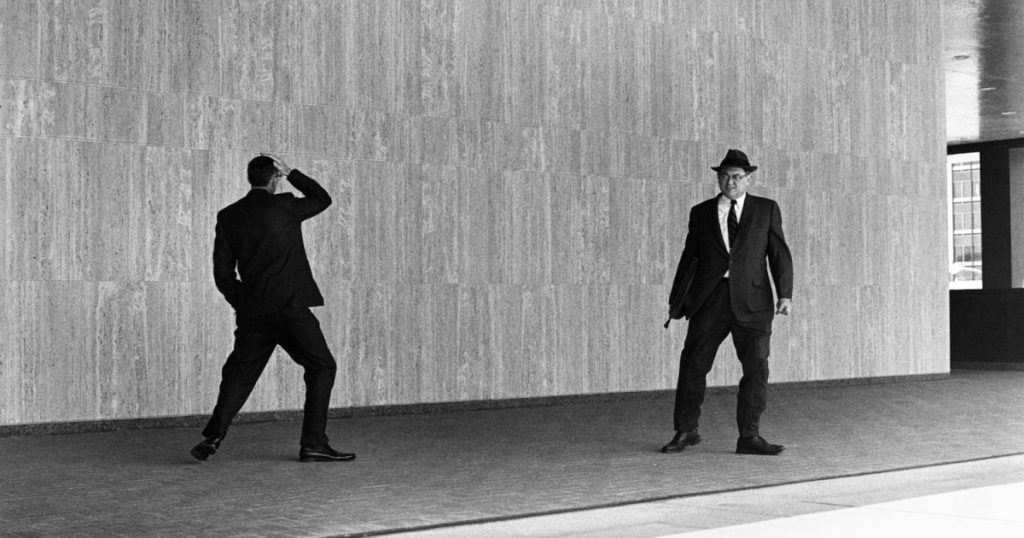 Graves/The Home Front-PB.