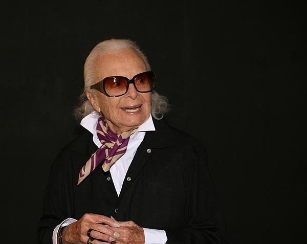 Lillian Bassman attending the Deichtorhallen, 2009
