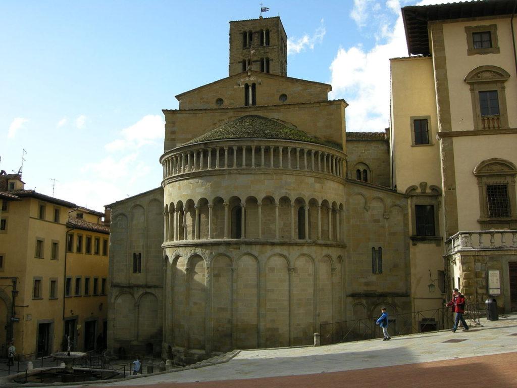 1280px-Arezzo,_Santa_Maria_della_Pieve_08