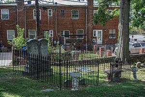 Constantino_Brumidi_grave_-_askew_-_Glenwood_Cemetery_-_2014-09-14