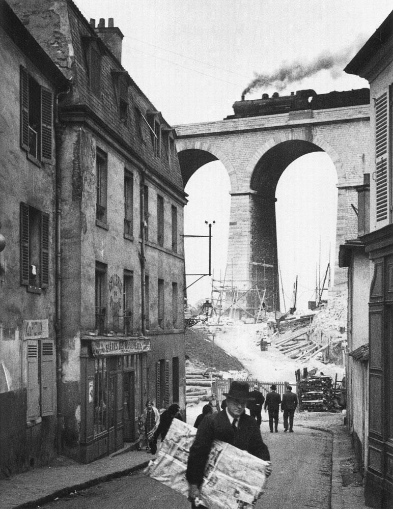 andre_kertesz_-_meudon_1928