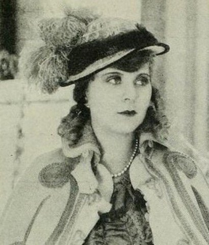 "Theda Bara's sister, , who went by the stage name ""Lori Bara"""