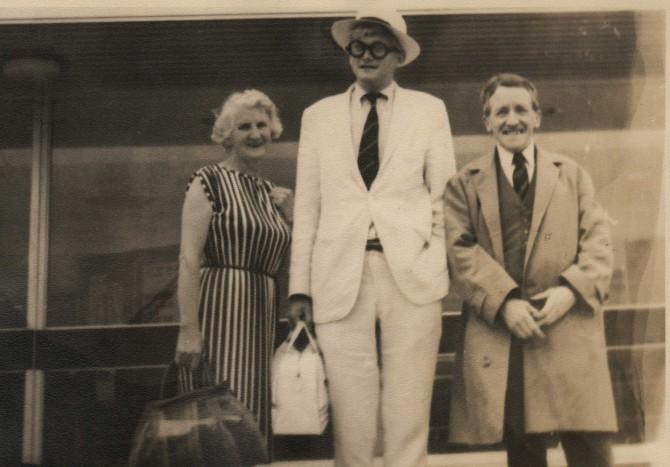 David Hockney with his parents, 1962
