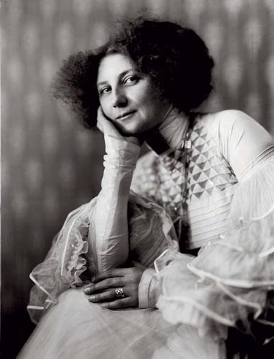 Emilie Floge, in 1909
