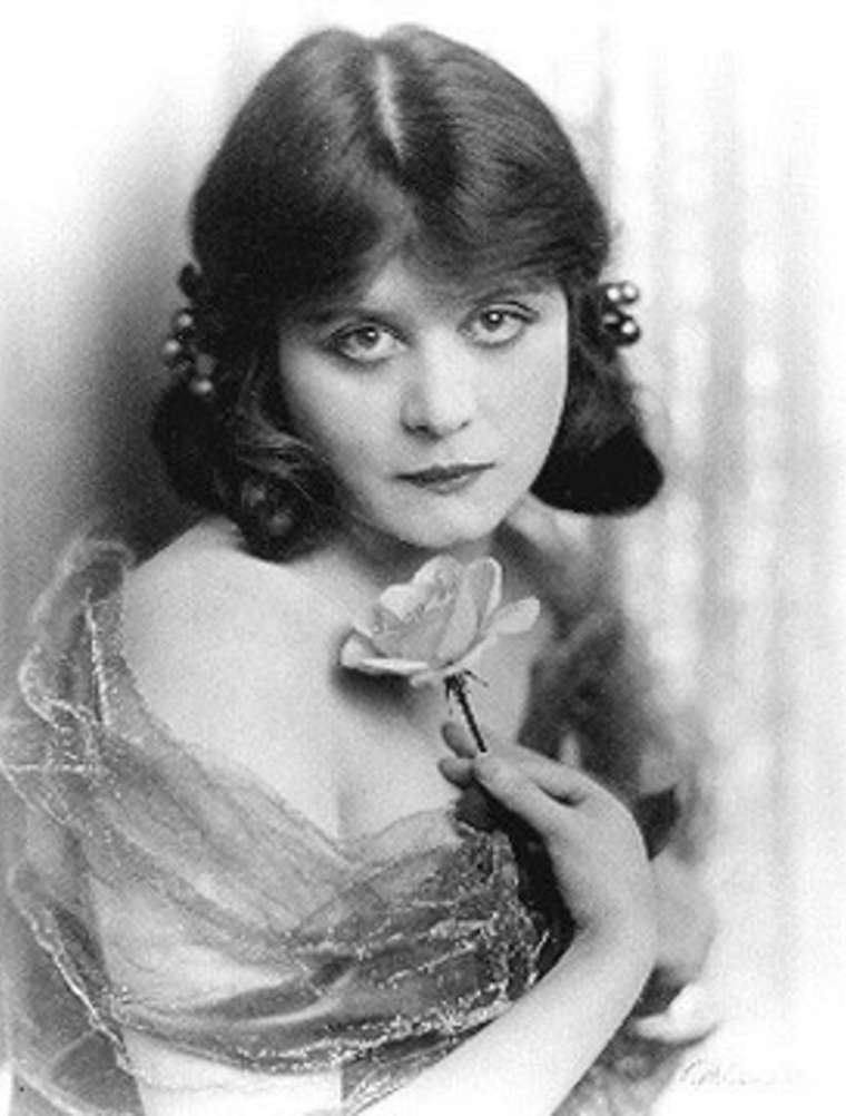 Early publicity photo, c. 1910