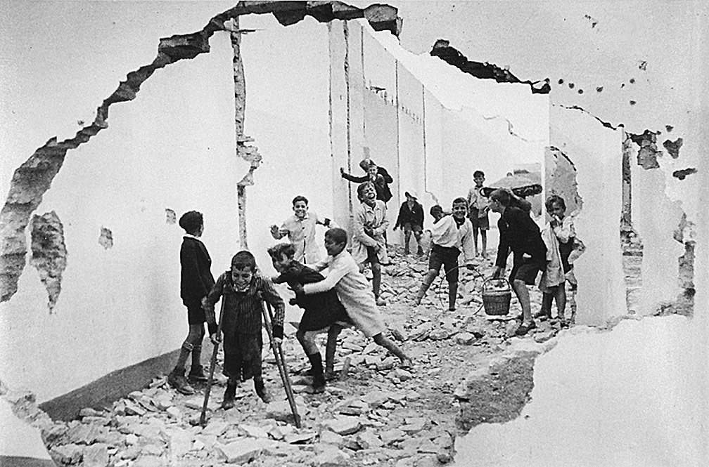 Children playing - Spain, 1937