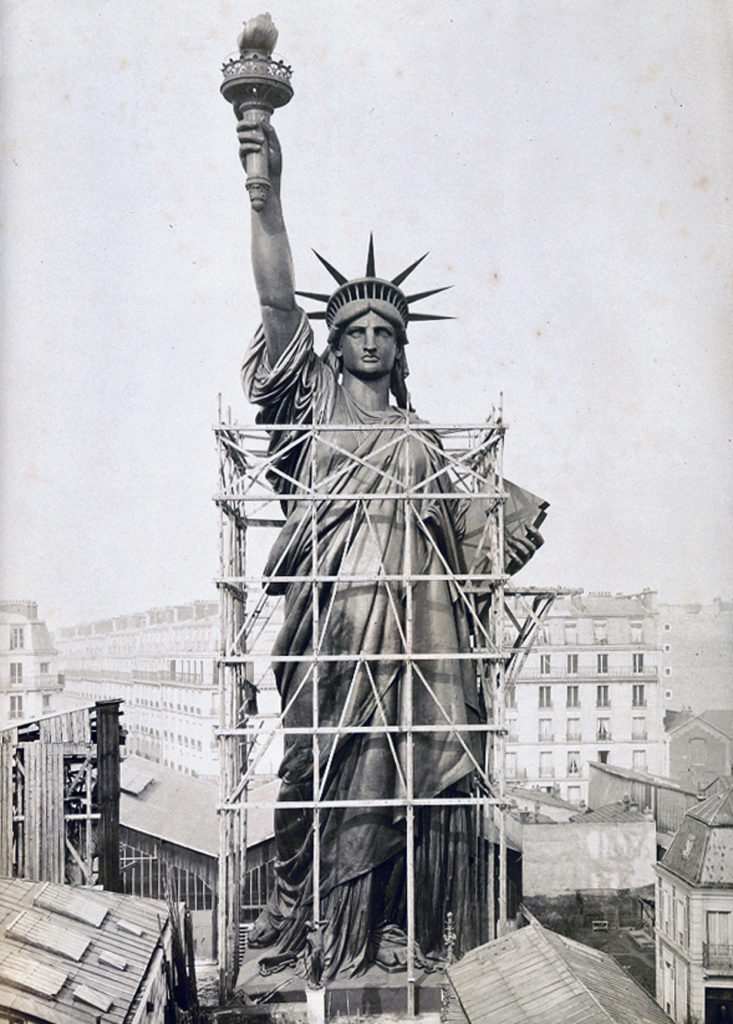 Before being shipped to the United States, Botholdi had the massive statue assembled outside his studio in Paris
