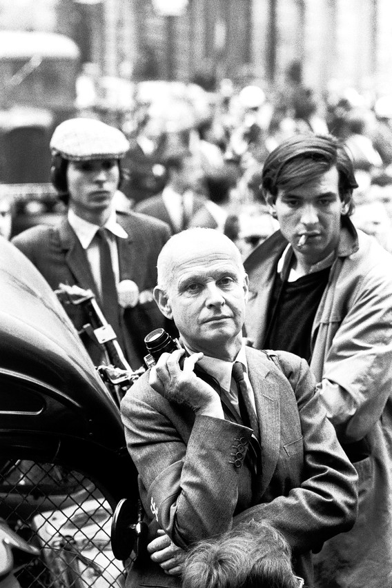 1968, Paris - Henri Cartier-Bresson photographed by Alain Nogues during the student protests