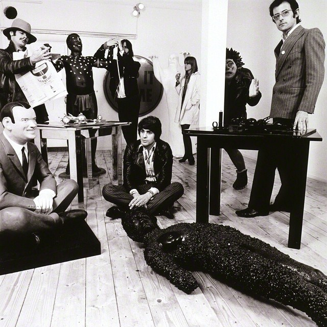 Robert Fraser (standing, right) and some of his entourage, 1967