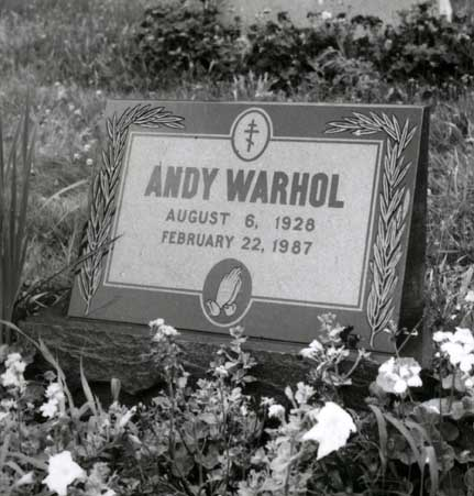 andy_warhol_grave_72