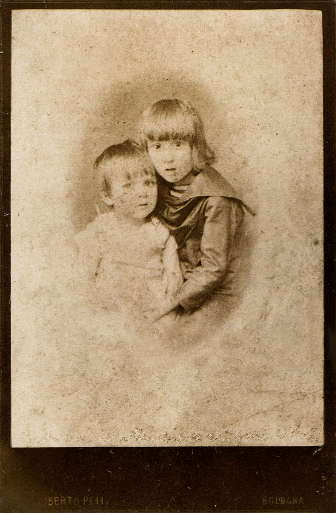 Apollinaire at age 5 with his younger brother Albert, 1885 (Getty Images)