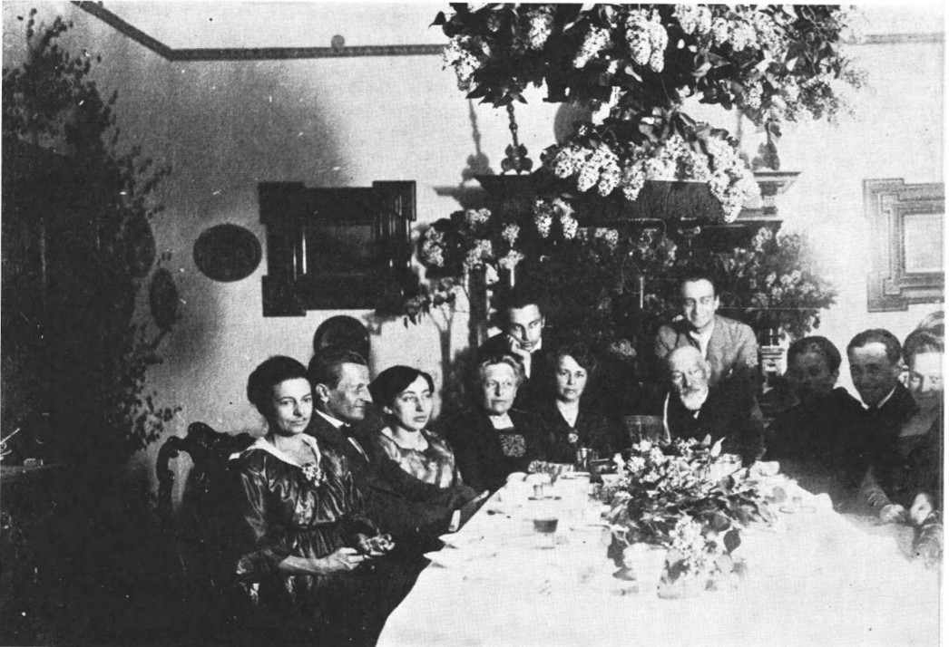 Eggeling with his wife Marion (the two seated far left), at a dinner party at the home of Hans Richter